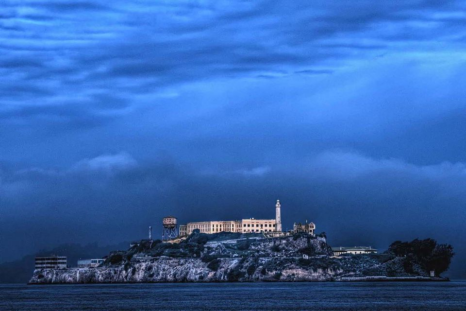 an overview of the famous prison alcatraz On a june night in 1962, three inmates of the federal prison on alcatraz island escaped from their cells and (presumably) into san francisco bay, never to be seen again on a june night in 1962.