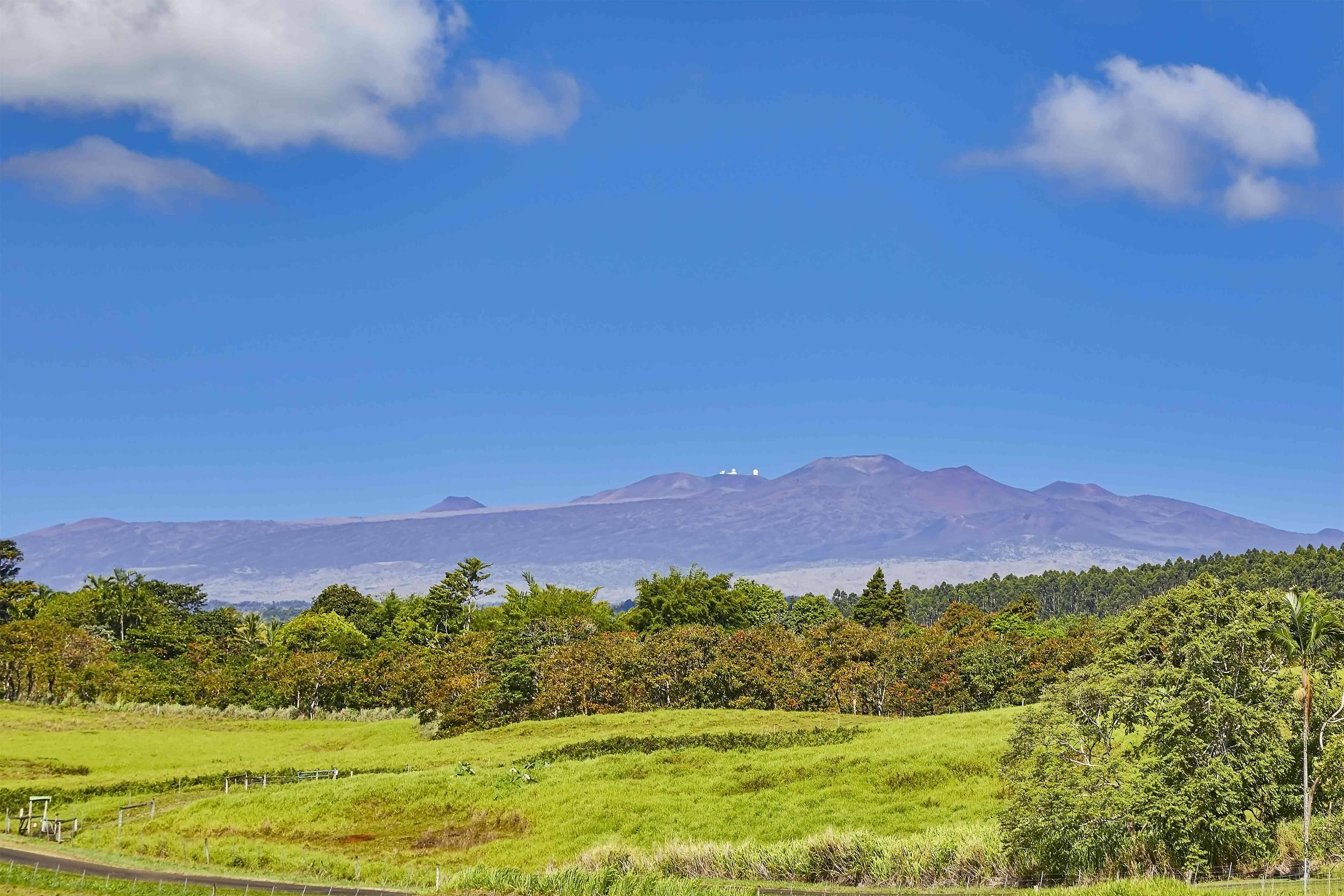 Mauna Kea summit with Astronomical Observatories,Waimea,Big Island,Hawaii,USA
