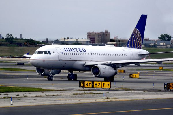 A United Airlines Airbus passenger jet