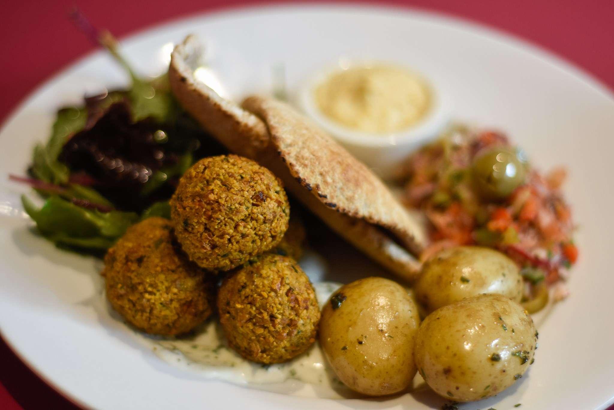 Falafel Pitta Dish