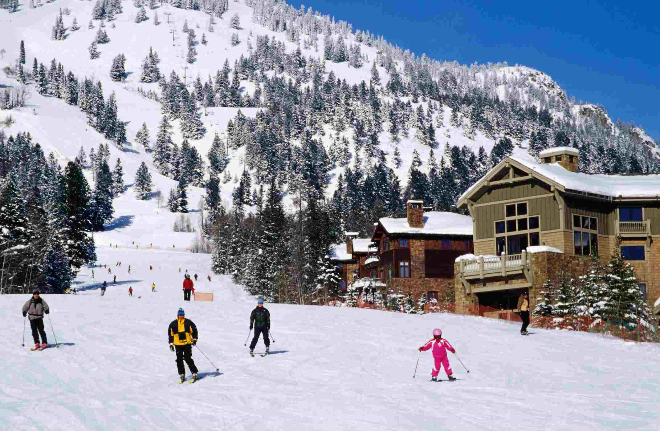 TOP SNOWSPORT RESORTS IN US – SNOWBOARDING AND SKIING