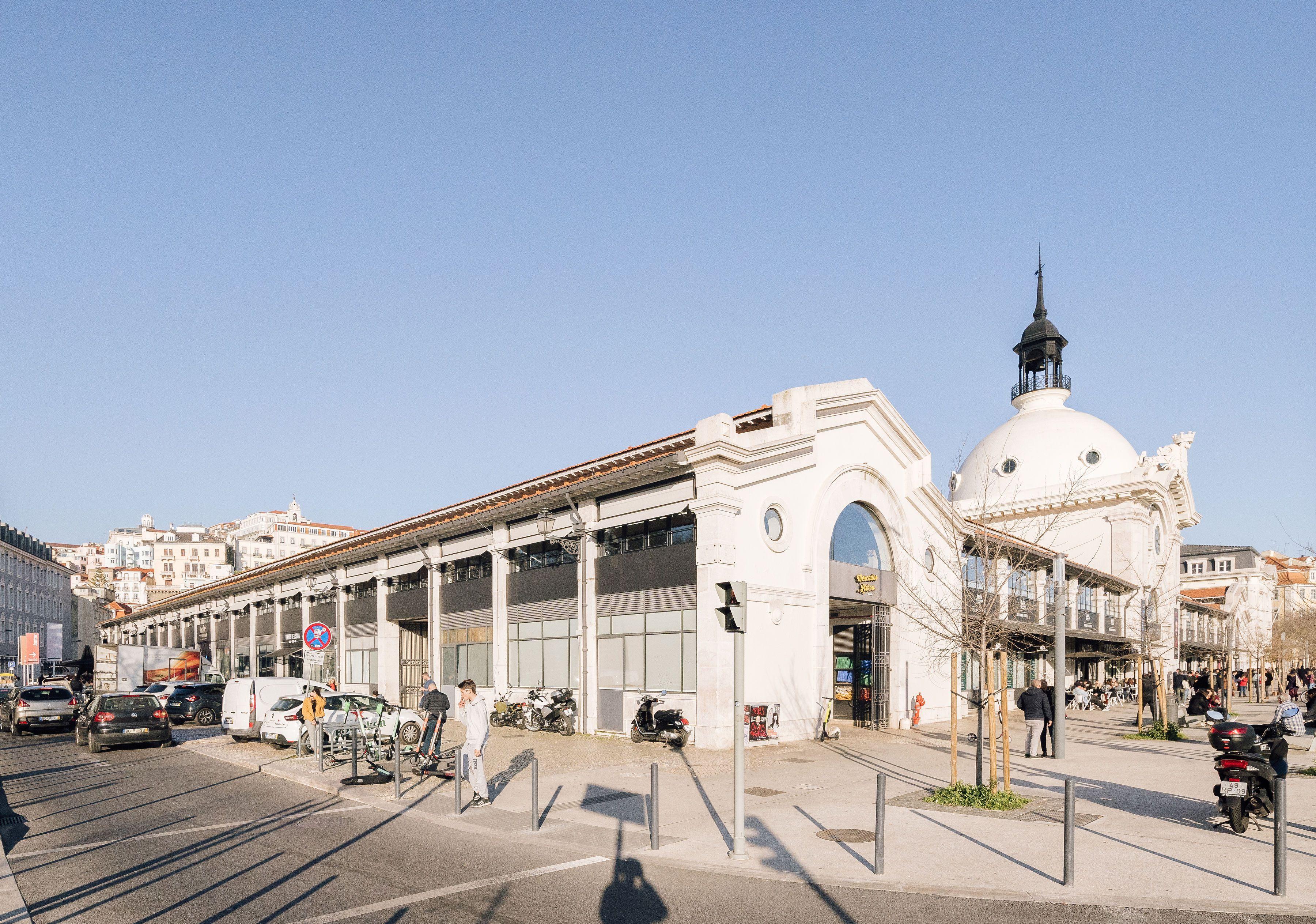 The Top 8 Attractions in Lisbon's Baixa Neighborhood