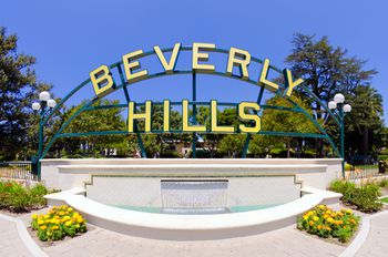 How To Take Yourself On An Easy Tour Of Beverly Hills Hollywood Sign