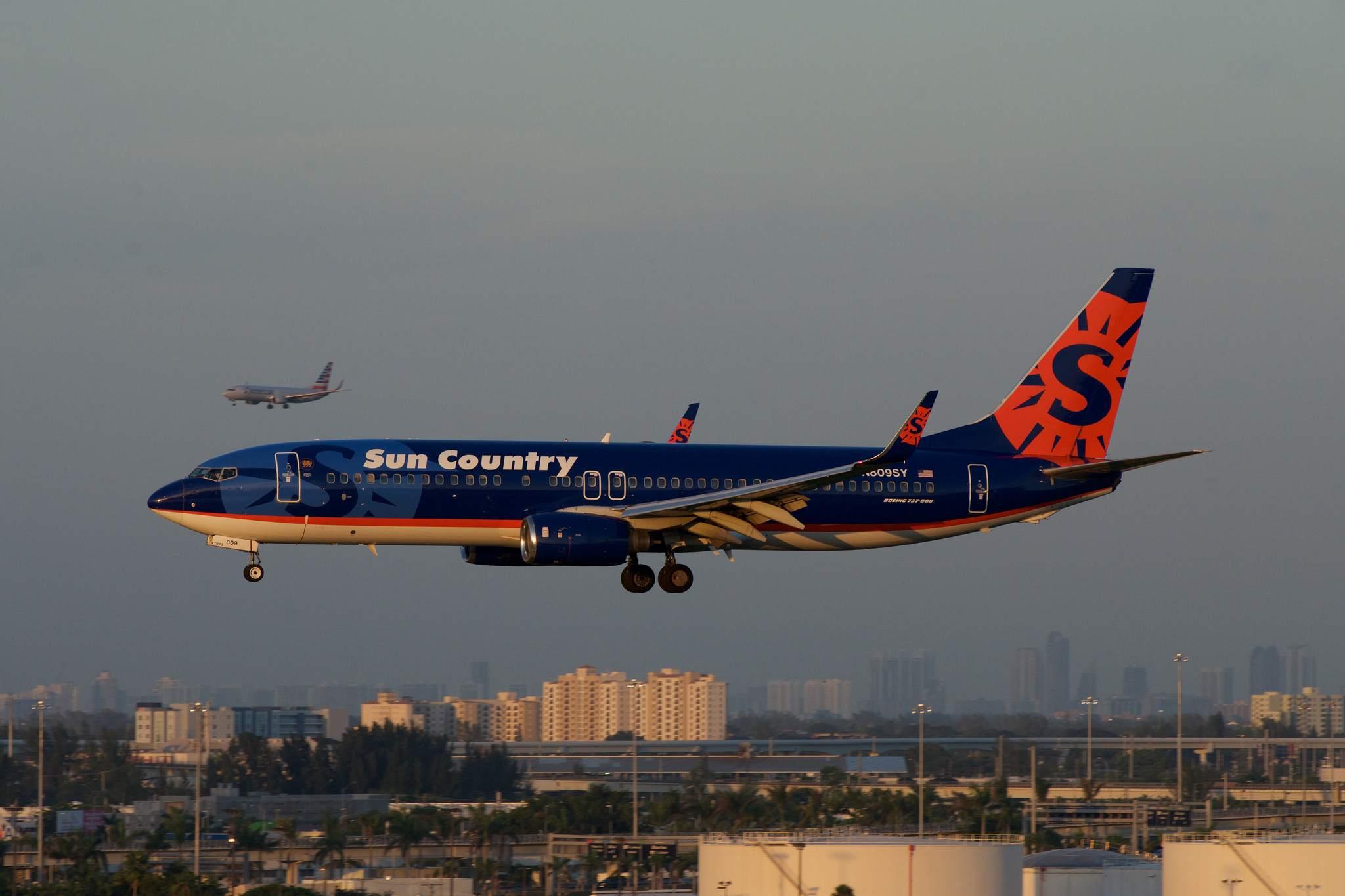 Sun Country Boeing 737 MIA