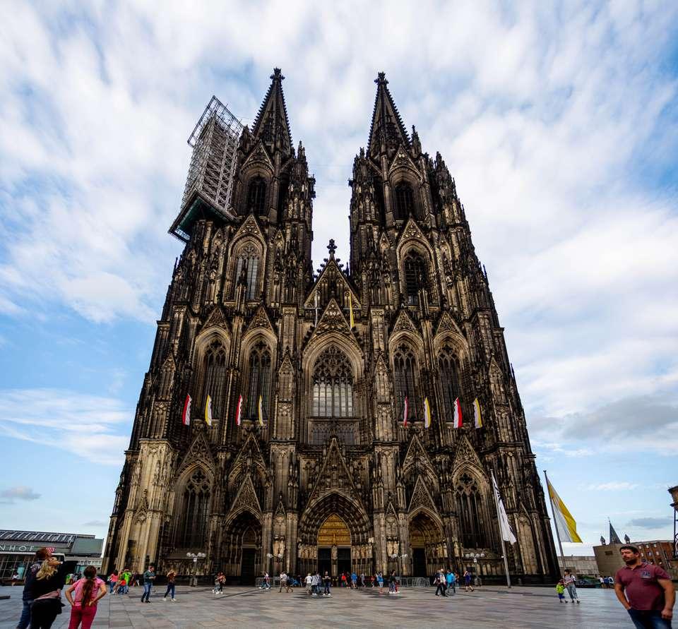 La fachada de la catedral de Colonia