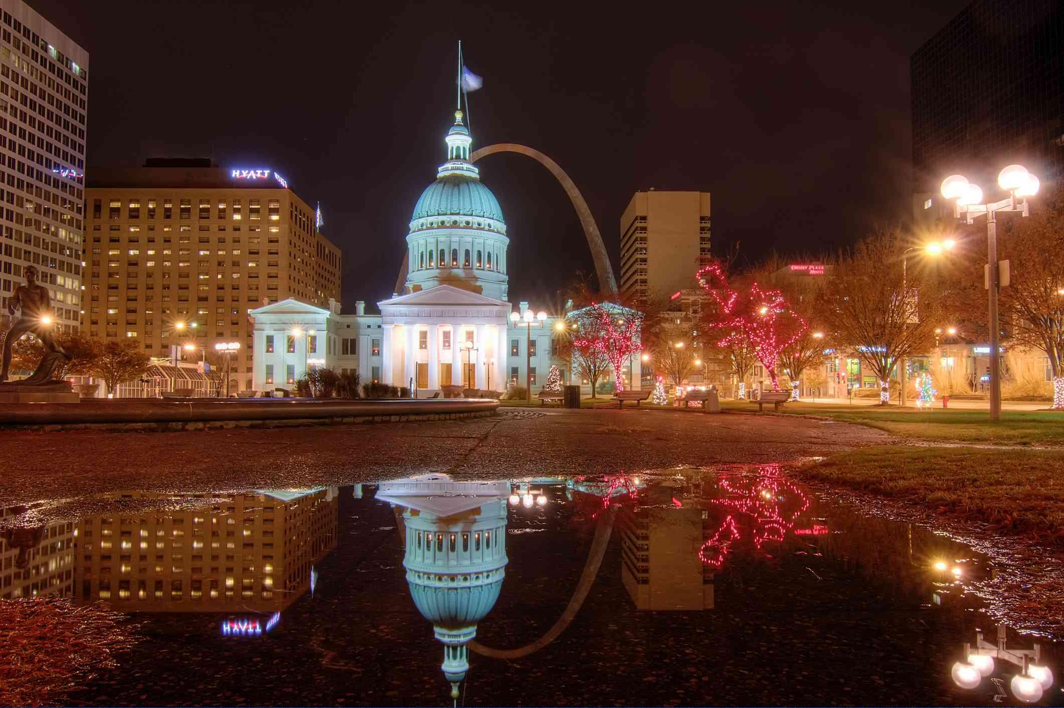 Things To Do On Christmas Eve 2021 Botanical Gardens St.Louis Things To Do For Christmas In St Louis