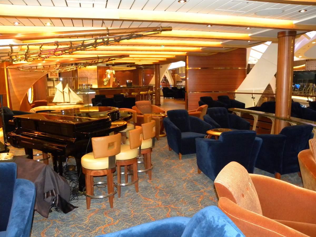Oasis of the Seas - Schooner Bar