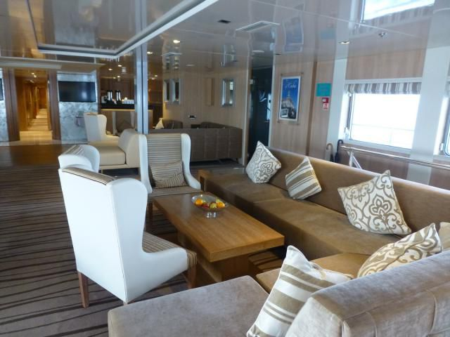 Main Lounge on the Variety Voyager