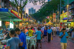 Busy Jalan Alor, the food street in Kuala Lumpur