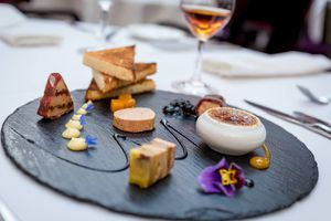 round plate of Amuse bouche from Le Saint-Amour
