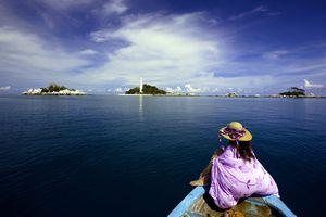 Boat to Lengkuas Islands