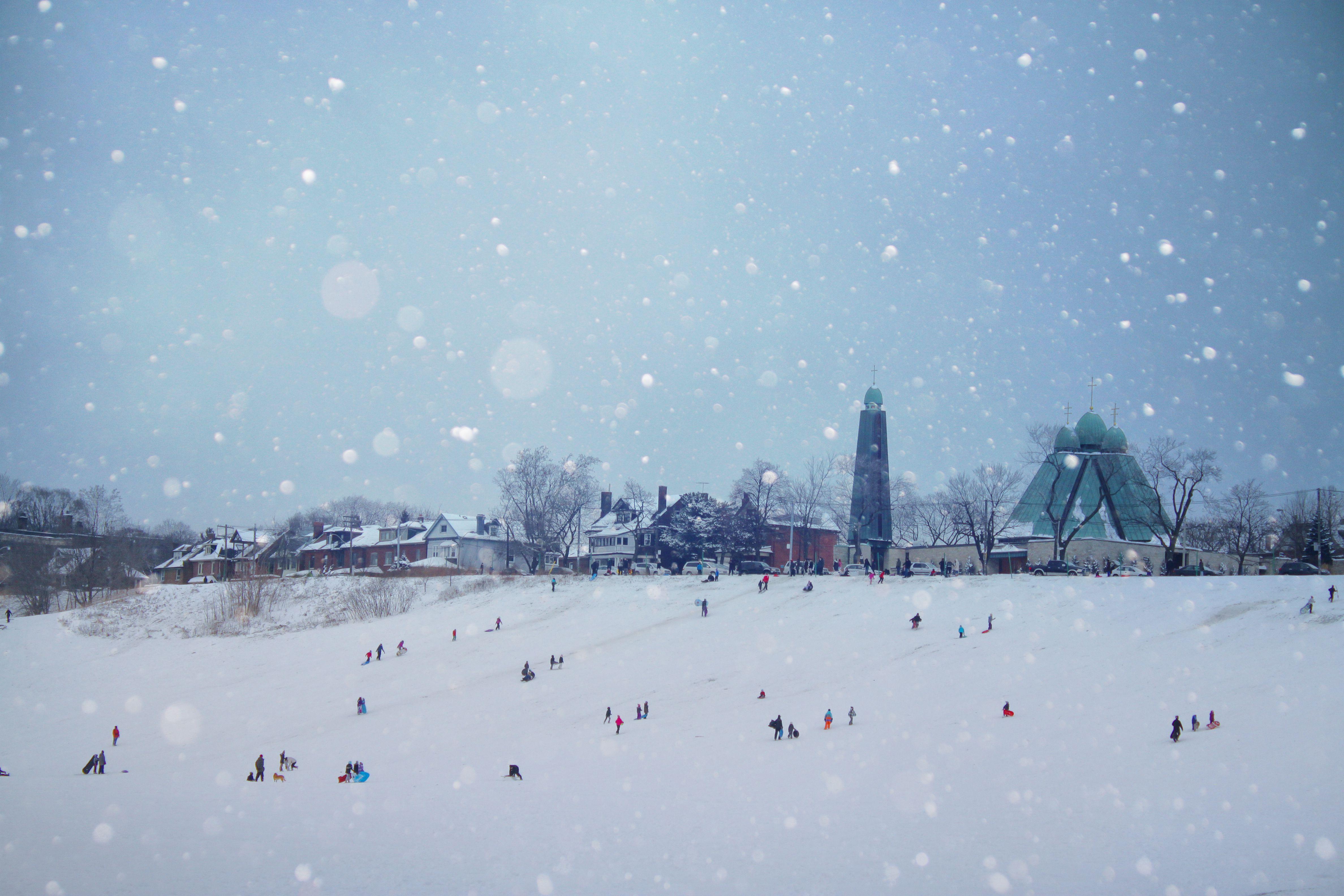 Kids enjoying a winter day in Toronto
