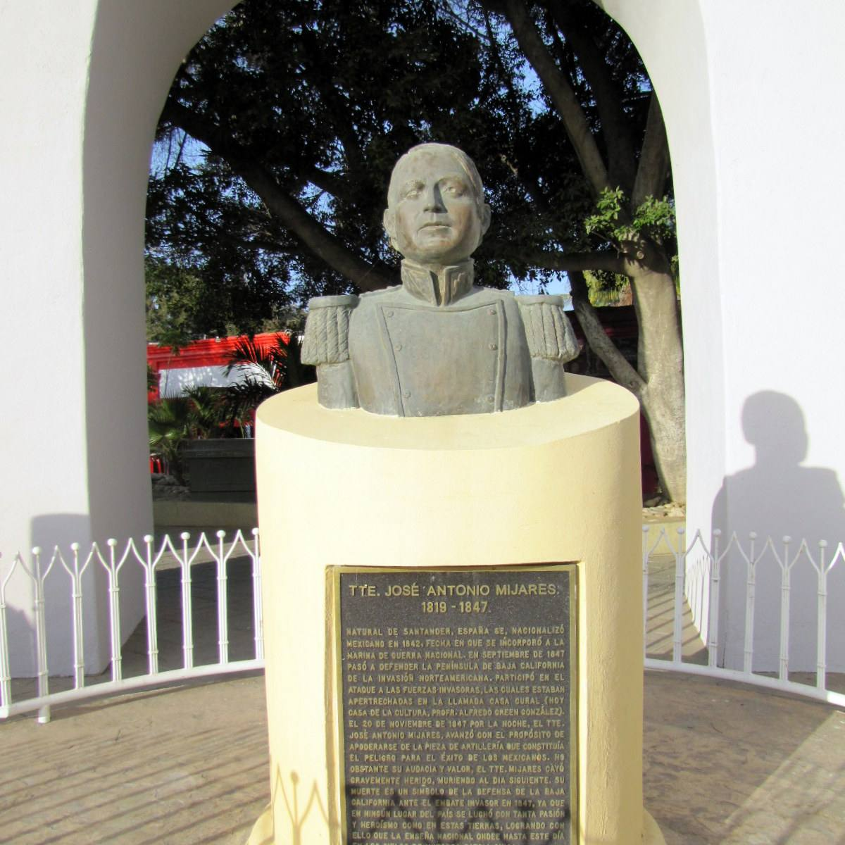 Monument to Mijares in San Jose del Cabo