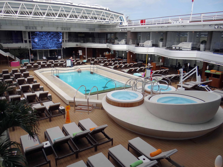 Piscina de Lido en el crucero Holland America Koningsdam
