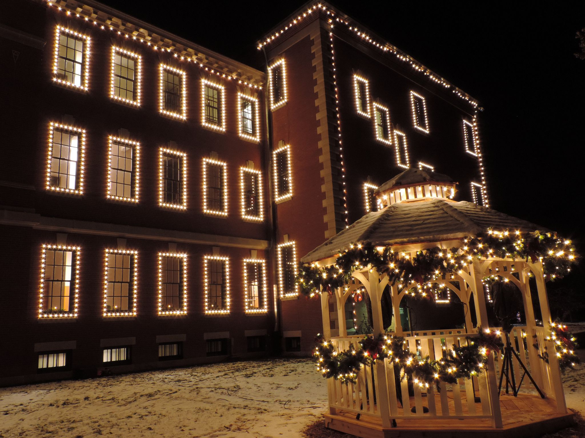 the best christmas light displays in st louis - Indoor Decorations Christmas Village