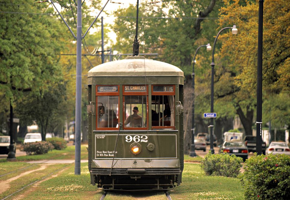 How To Take The St Charles Streetcar In New Orleans