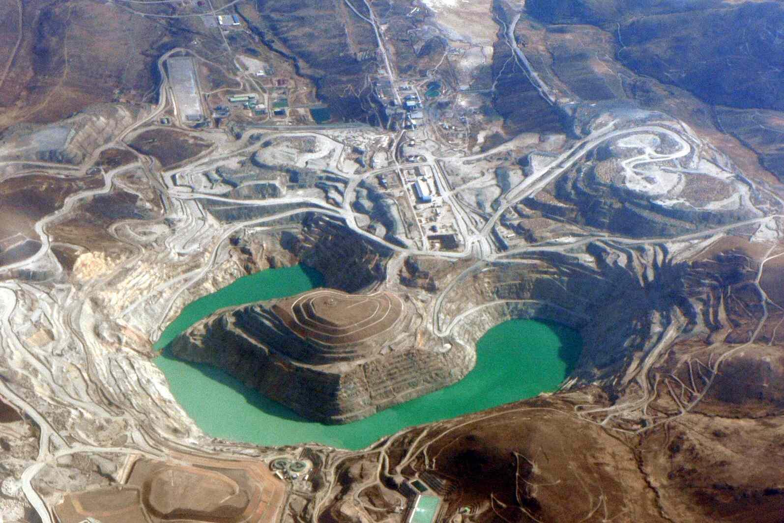 Copper mine in Cusco Department.