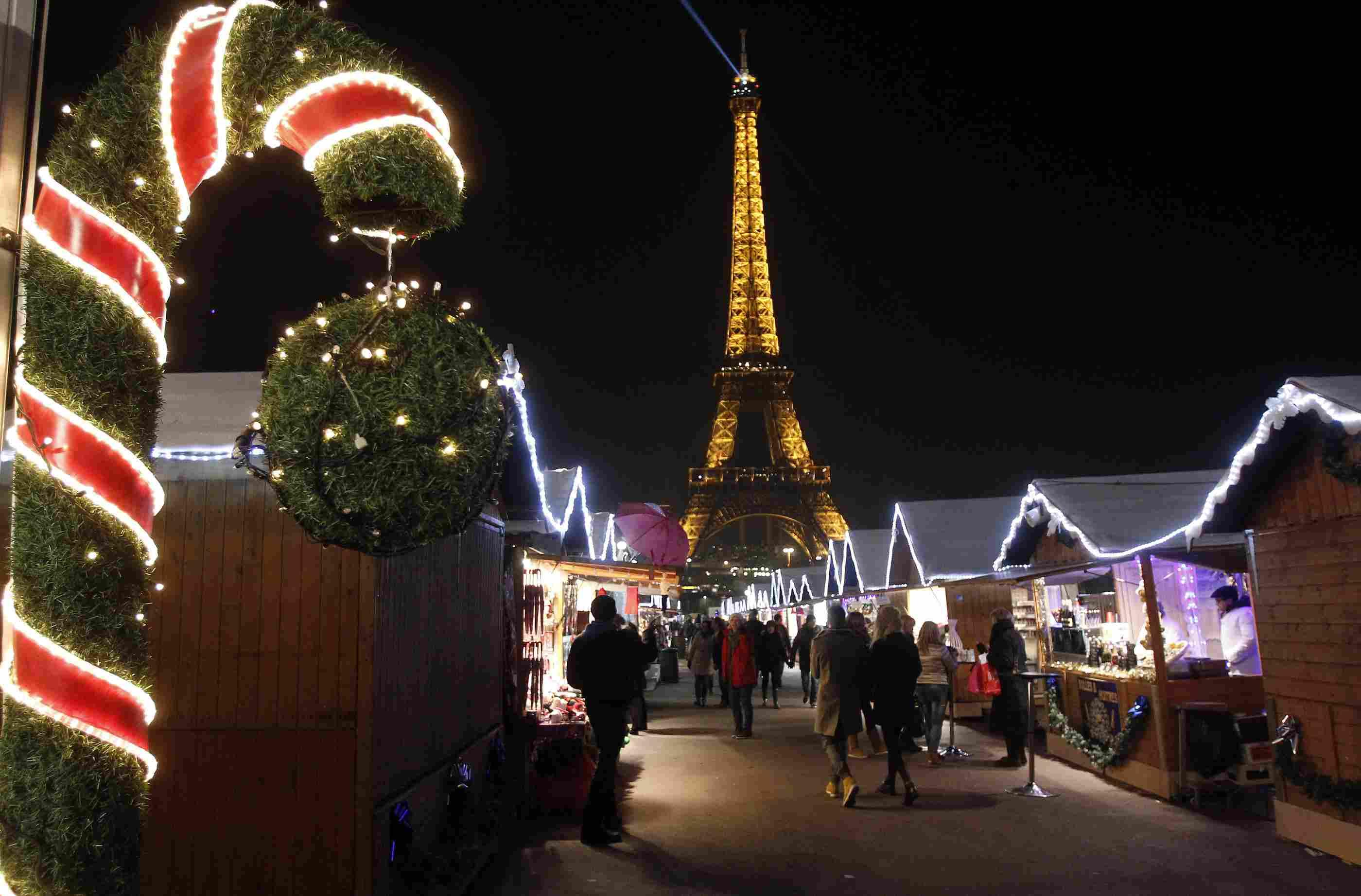 6 Fantastic Ways to Celebrate Christmas 2018 in Paris