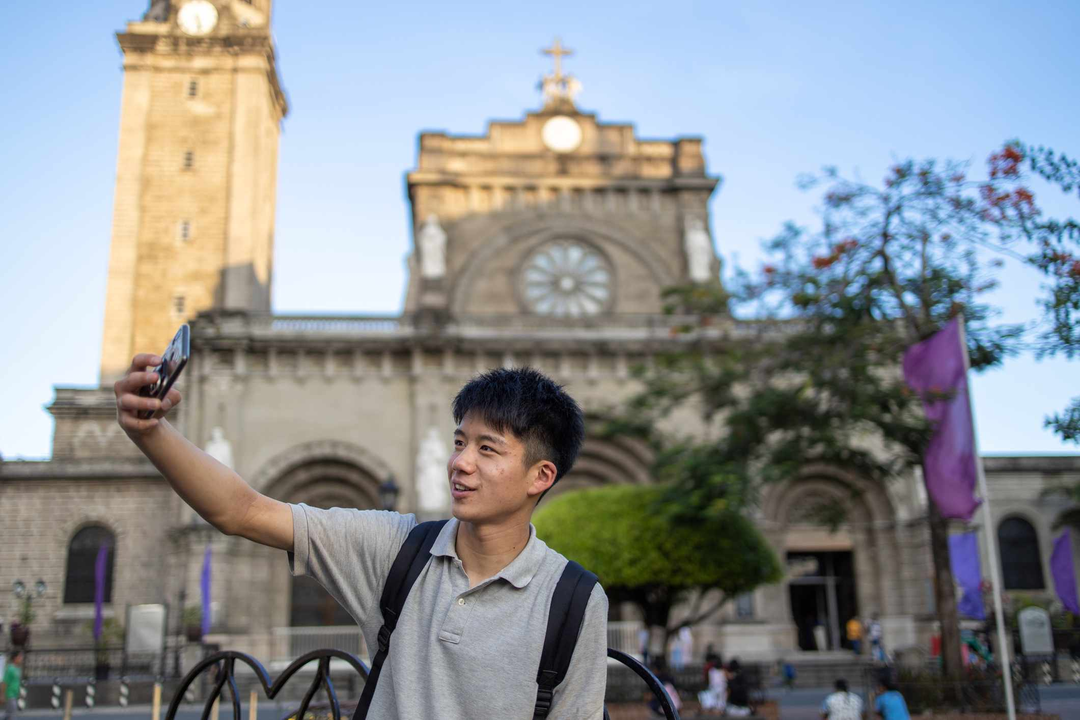 Tourist in front of Manila Cathedral, Intramuros