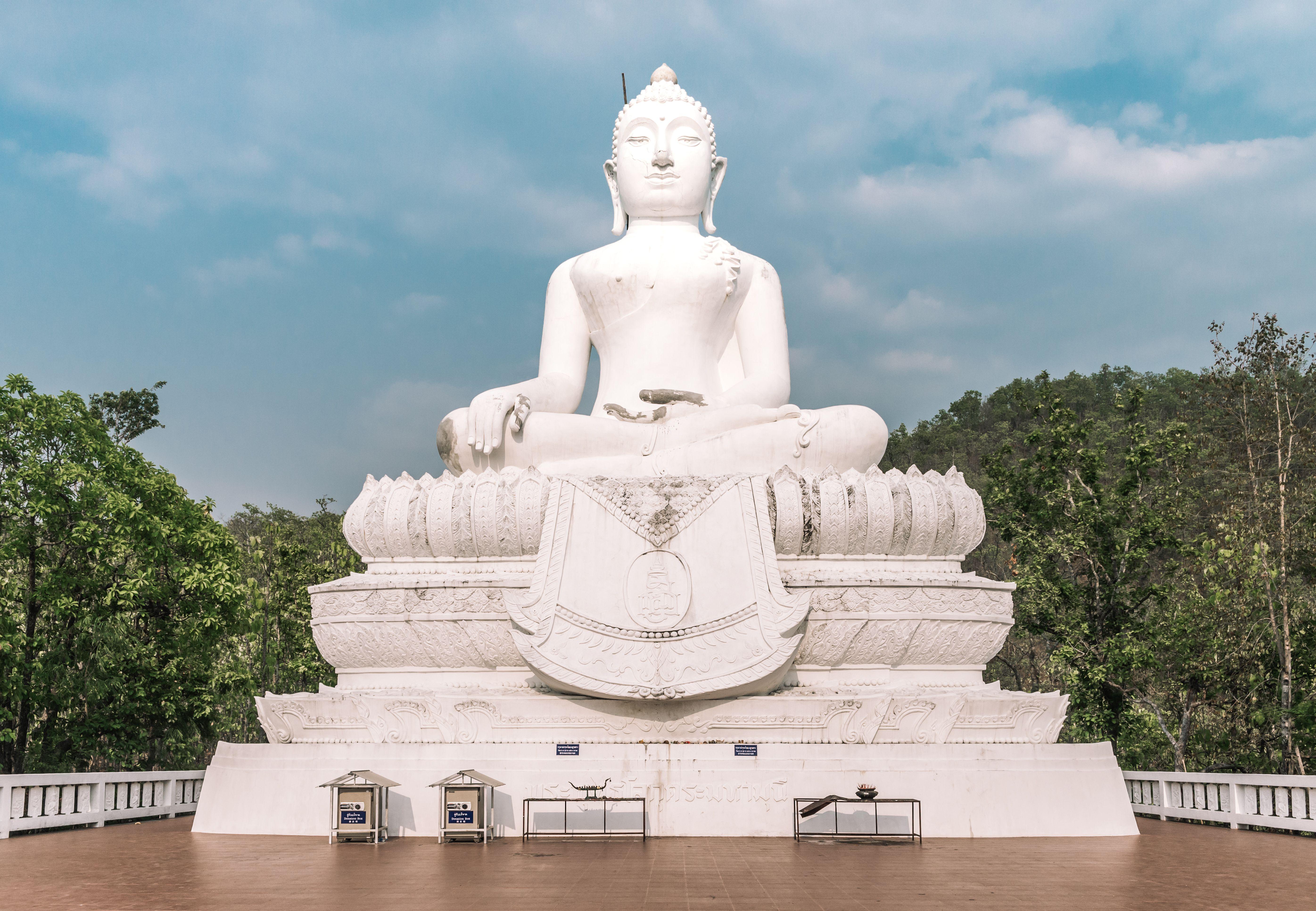 The White Buddha statue in Pai, Thailand