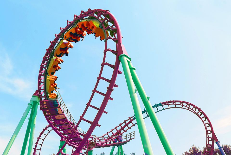 8 Best Ways to Save Money at Theme Parks