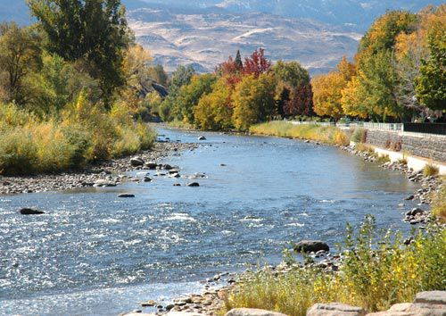 Fall colors along the Truckee River, upstream from Reno's Wingfield Park