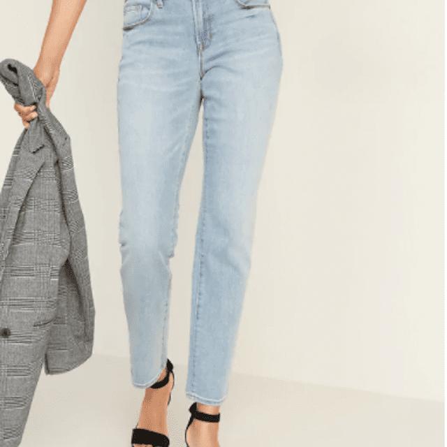 Old Navy Jeans rectos de lavado medio y delgado con lavado ligero