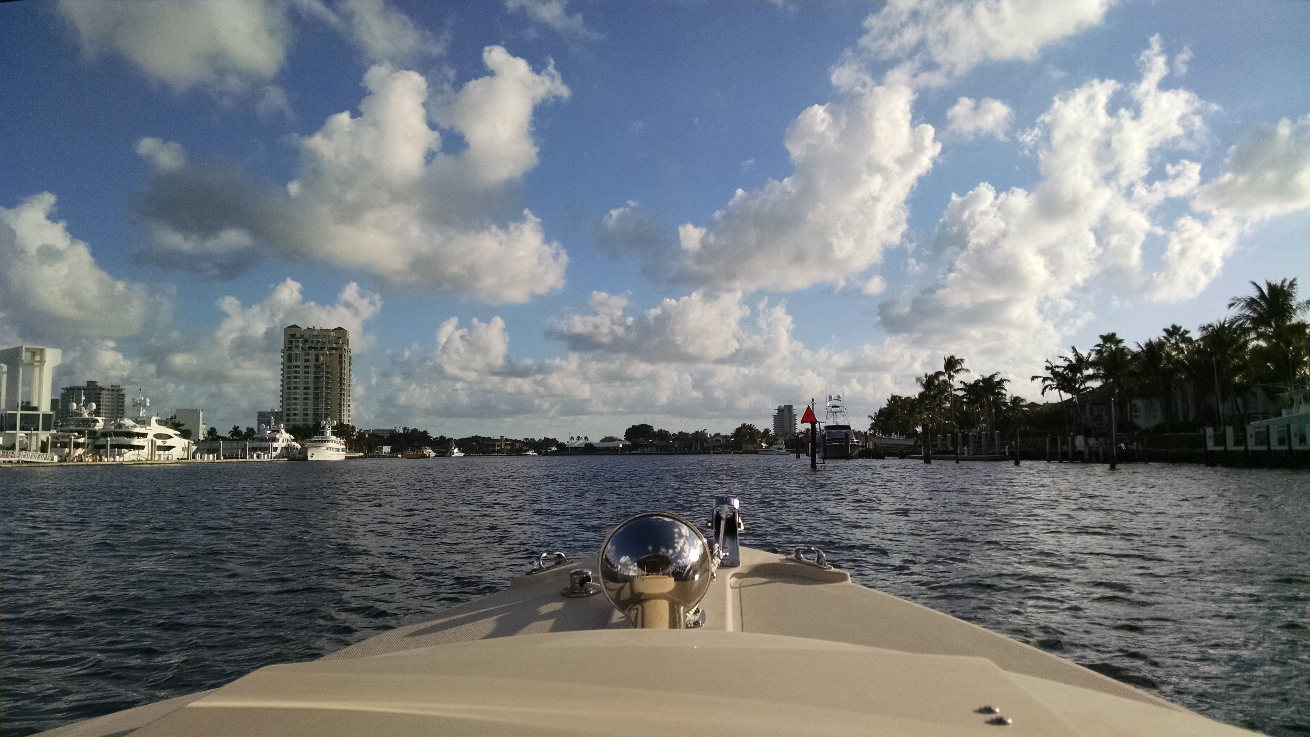 Cruising on the Fort Lauderdale Intracoastal Waterway