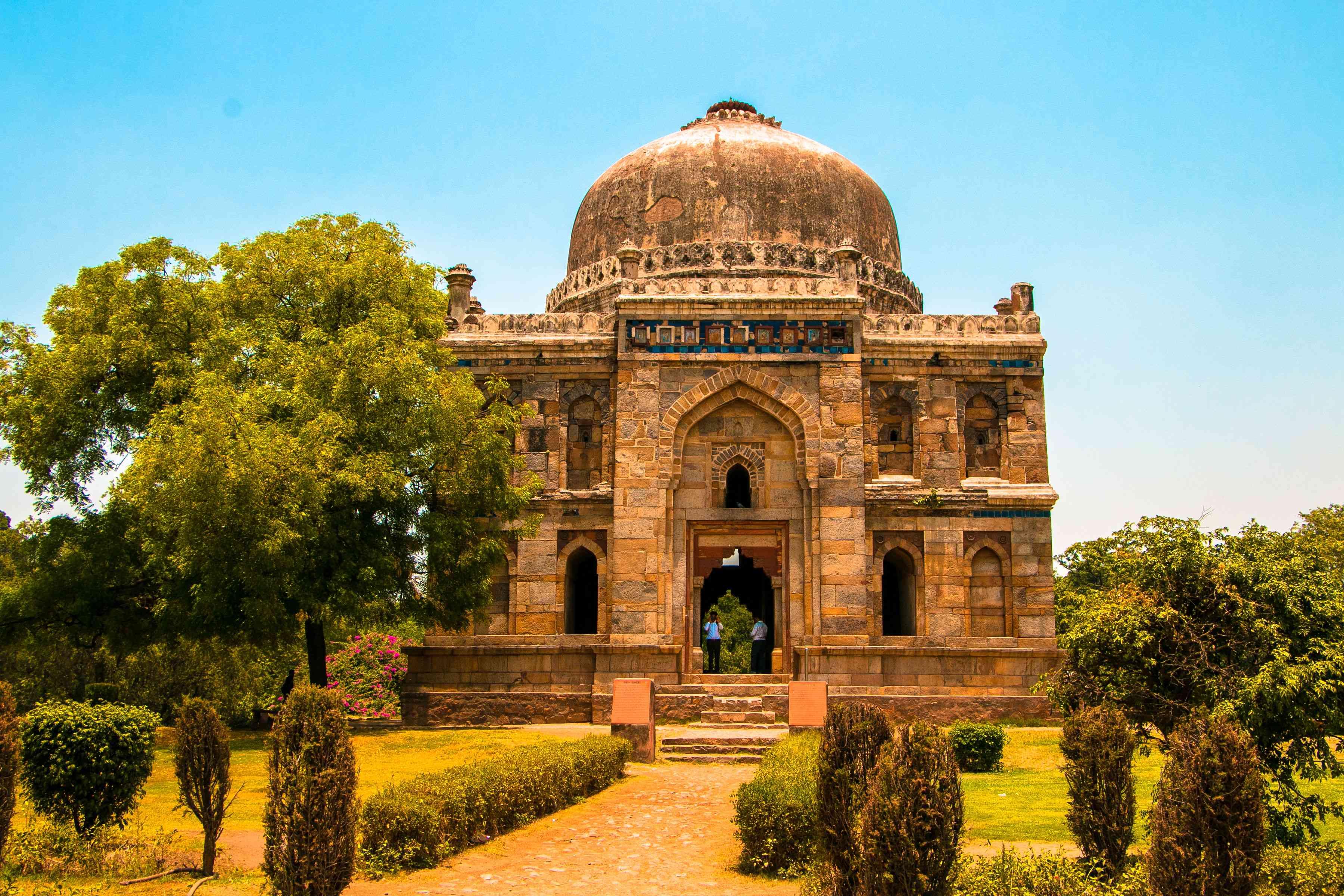 Shhesh Gumbad Tomb in Lodhi Gardens