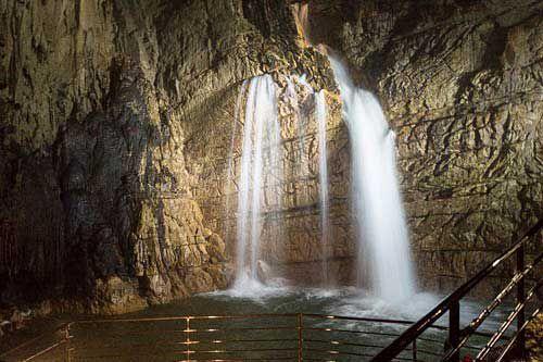 Waterfall in Grotte di Stiffe