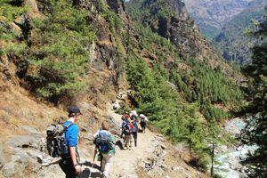 A group hiking on the Himalayan Trek