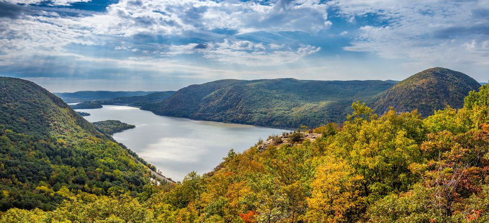 Panoramic view from Breakneck Ridge