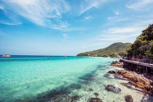 Beautiful blue ocean in Koh Larn island, Pattaya
