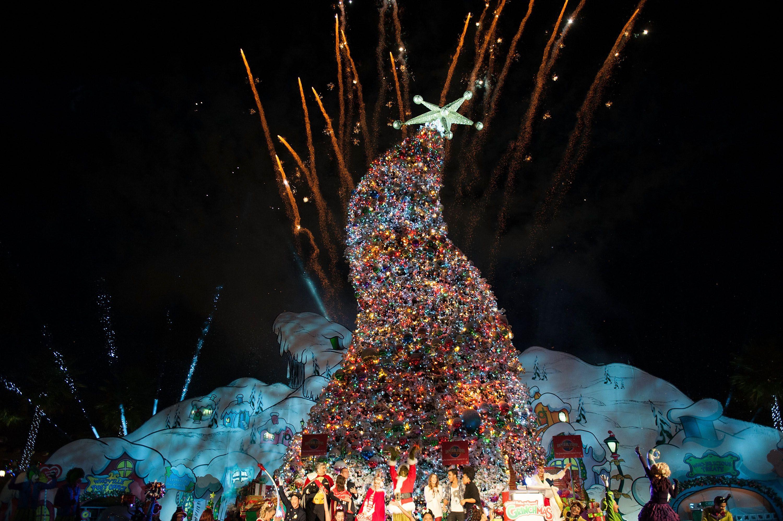 Universal Studios Christmas.Grinchmas At Universal Studios Hollywood