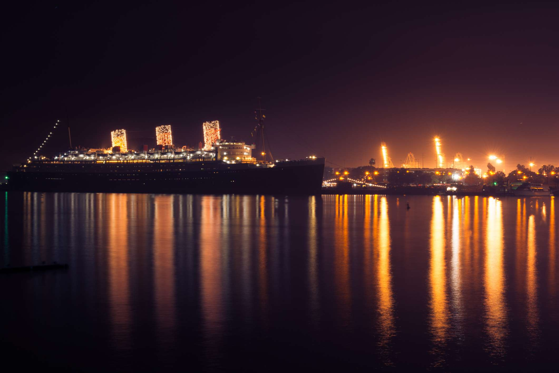 Queen Mary decorated for Christmas