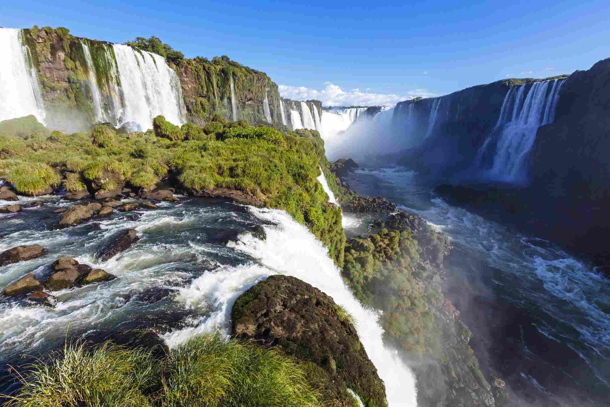 Iguacu waterfall and Devil's Throat, Brazil