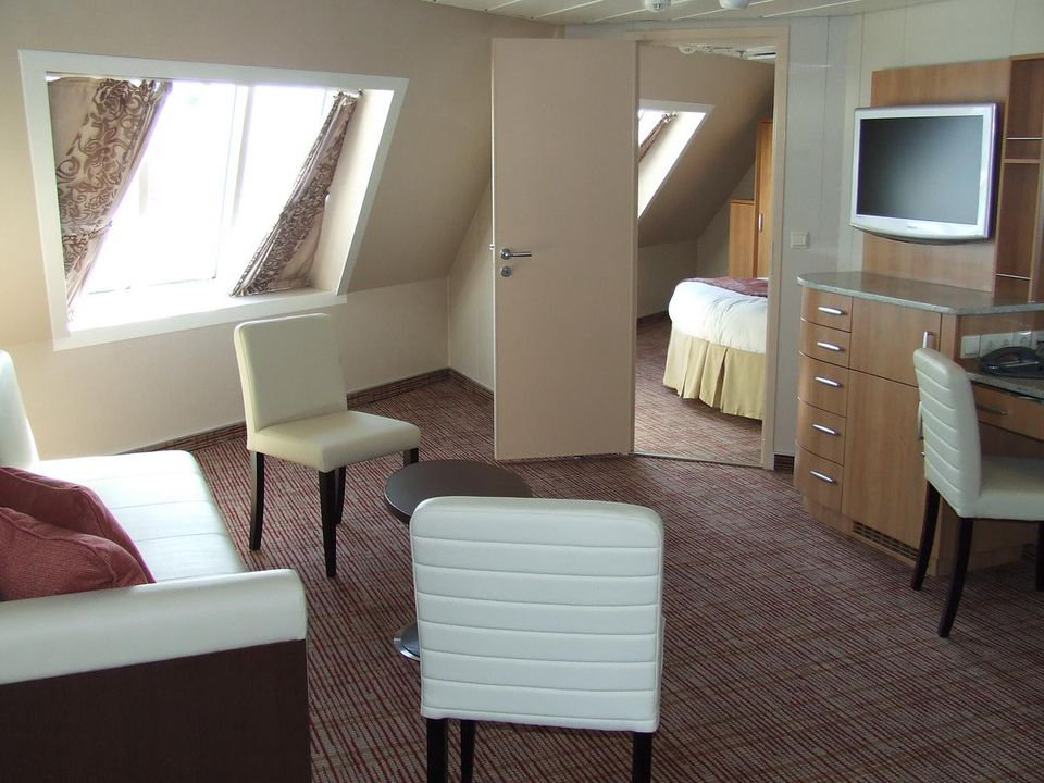 Category FV - Family Ocean View Stateroom with Veranda