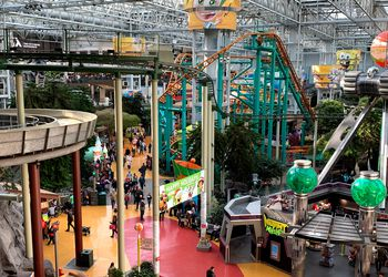 Nickelodeon Rides in the mall of america