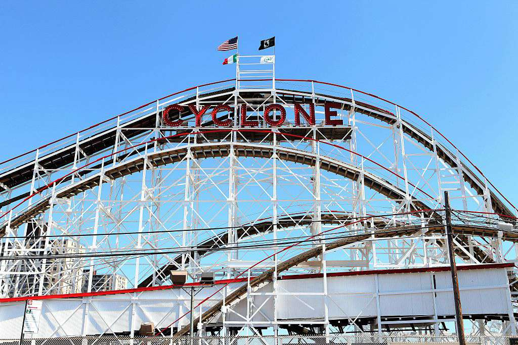 Cyclone Roller Coaster, Luna Park