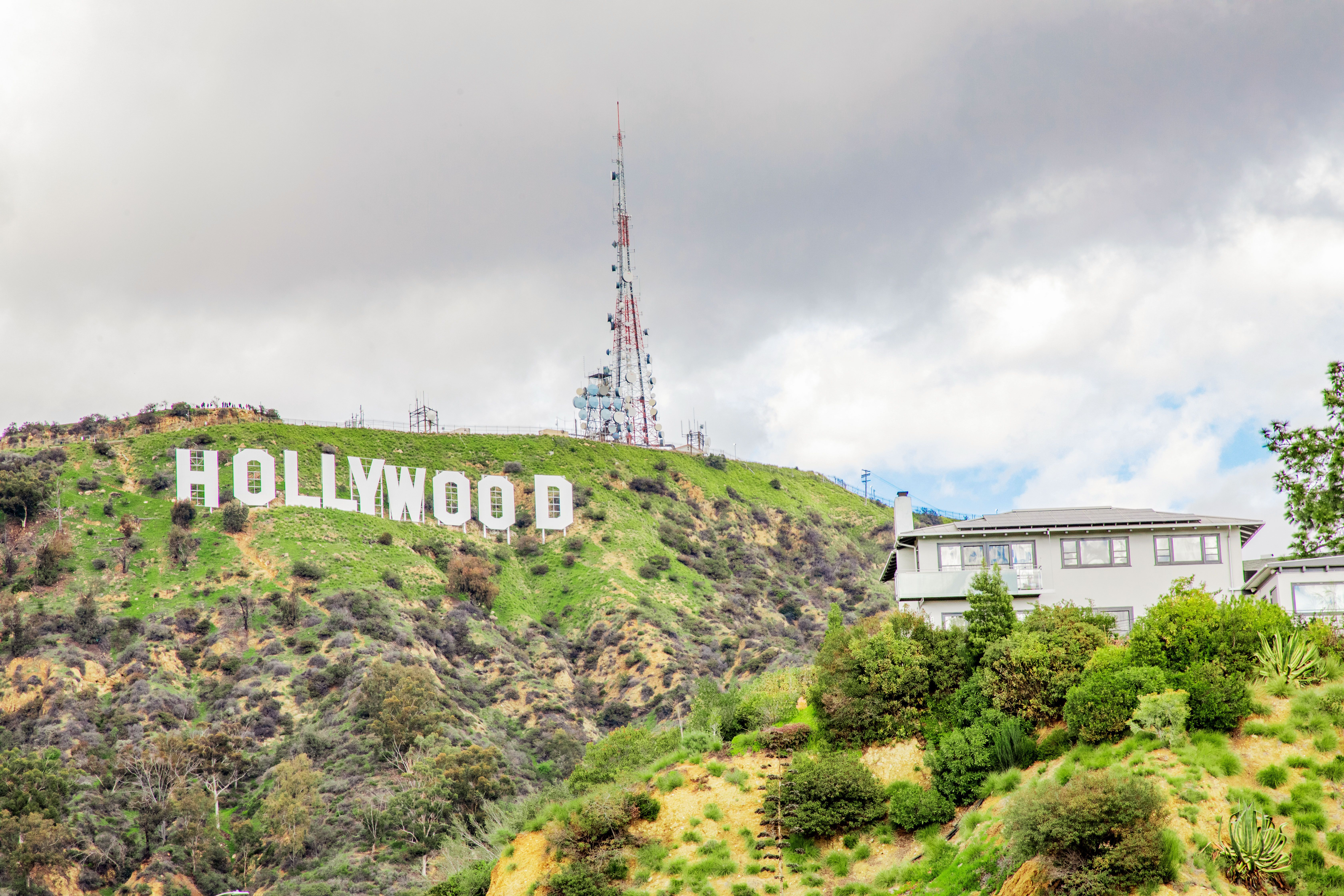Is This Most Photographed Sign In >> 15 Selfie Worthy And Famous Sights In Los Angeles