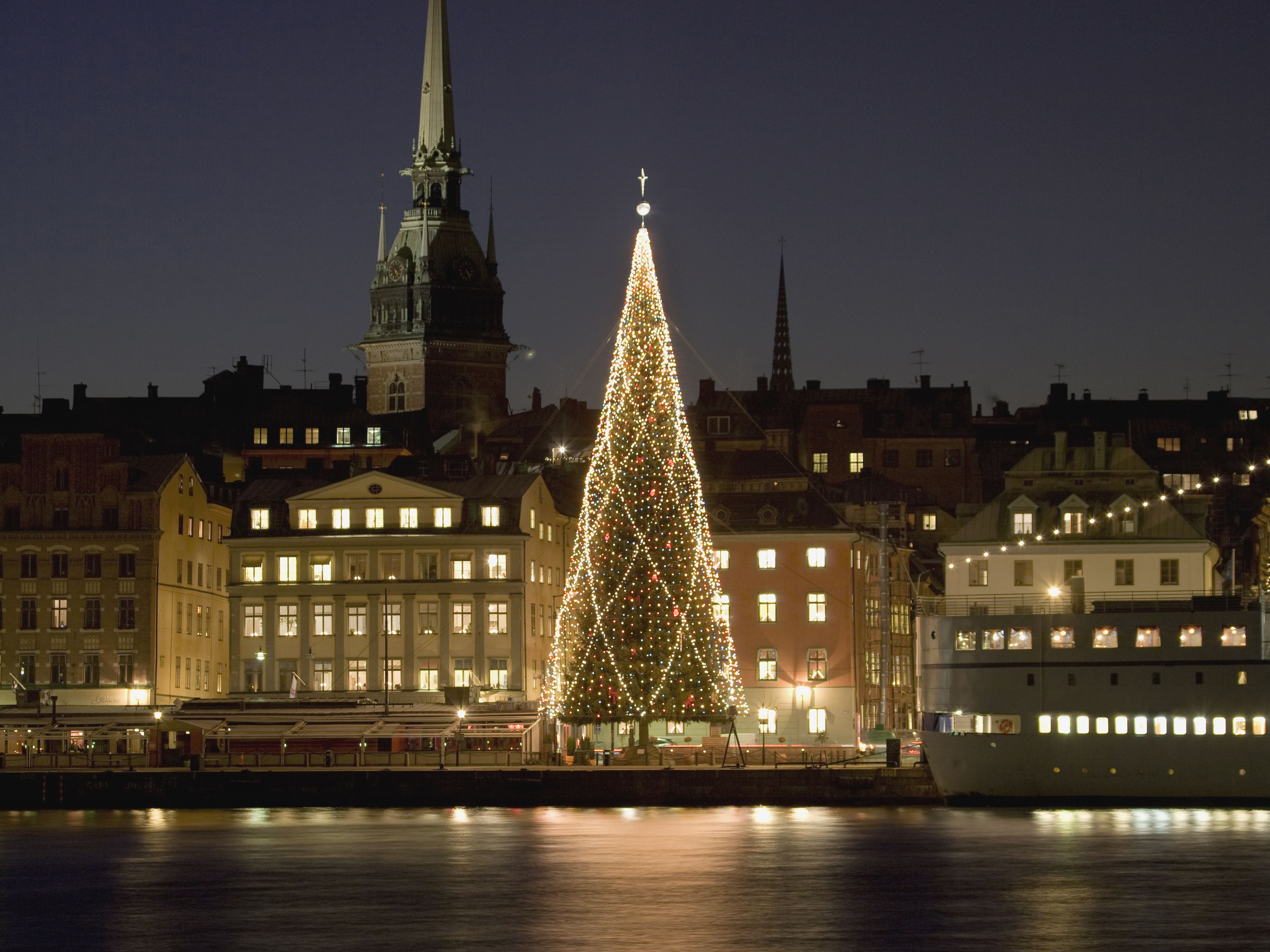How Do You Say Merry Christmas In Swedish.Celebrating Christmas In Sweden