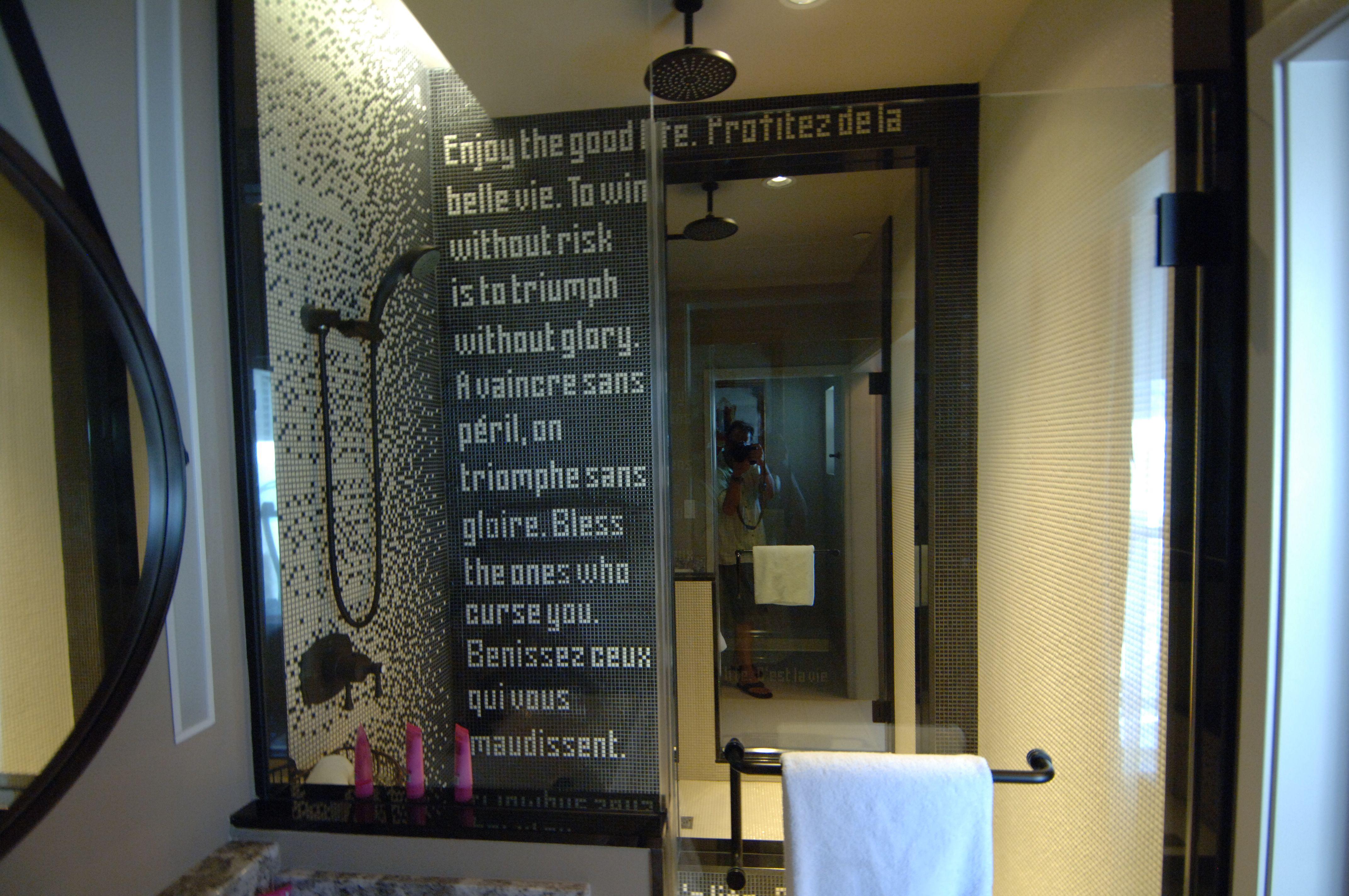 2 Way Mirror en Cromwell Las Vegas