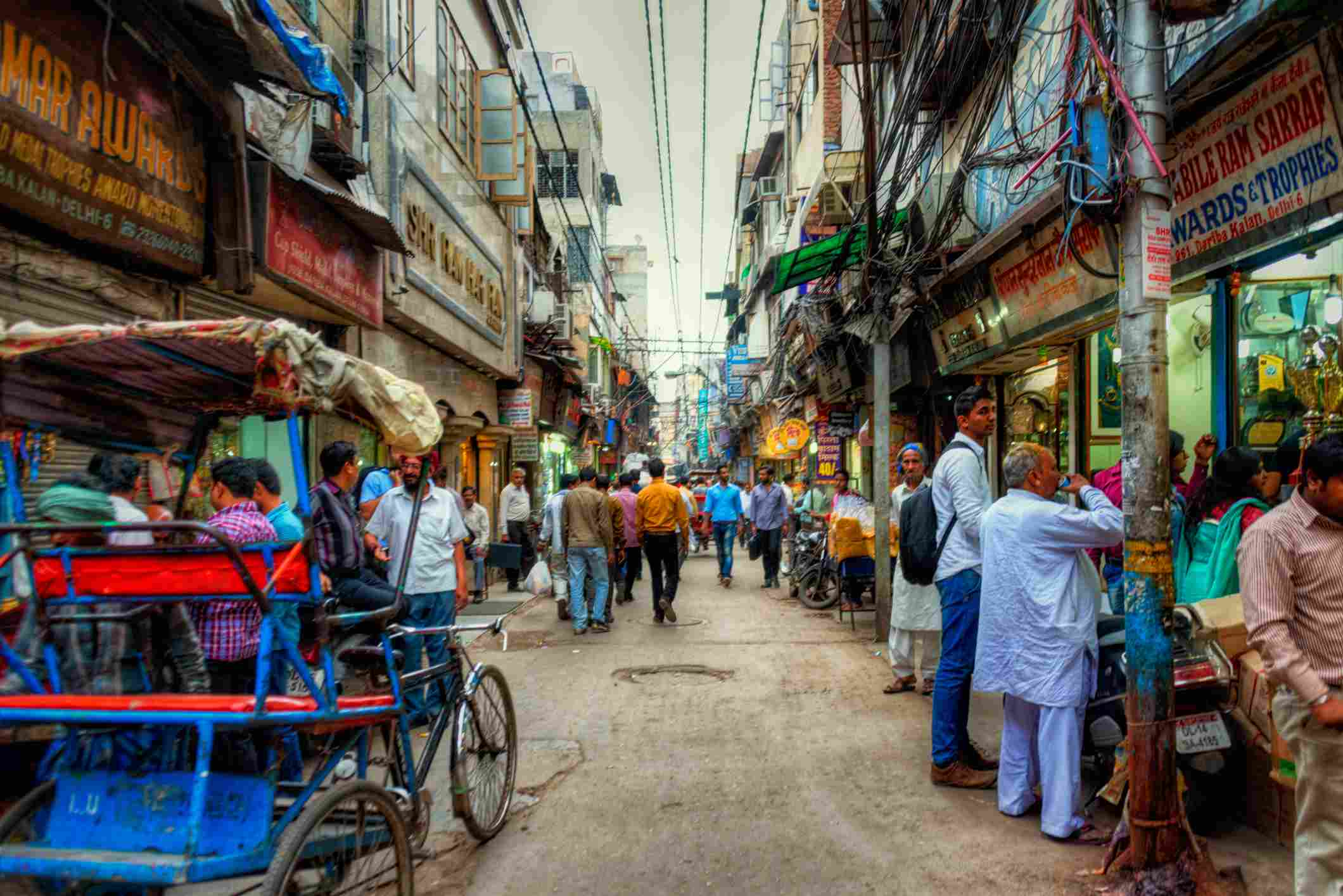 10 Best Delhi Markets For Shopping And What You Can Buy