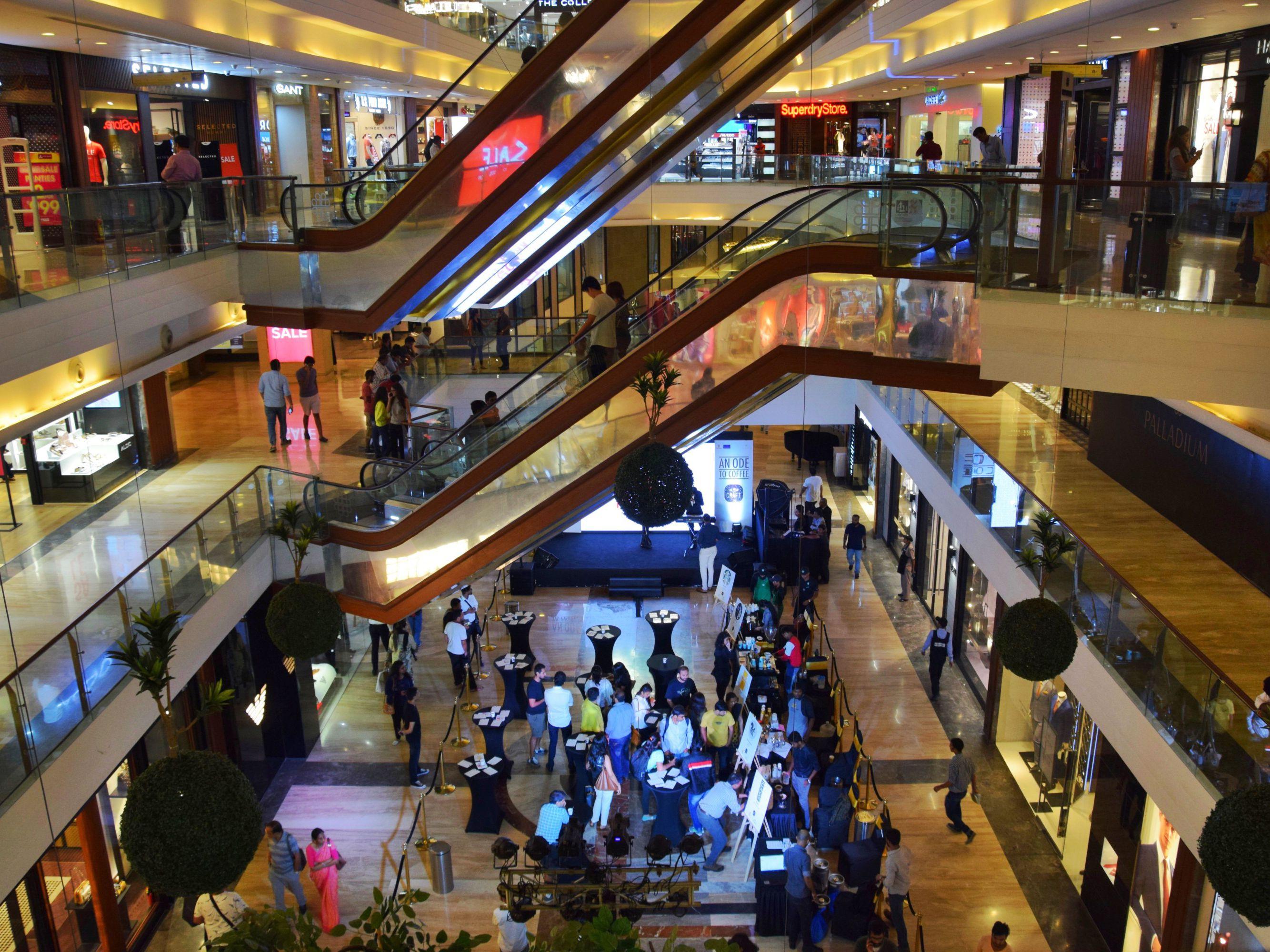 10 Biggest And Best Mumbai Malls