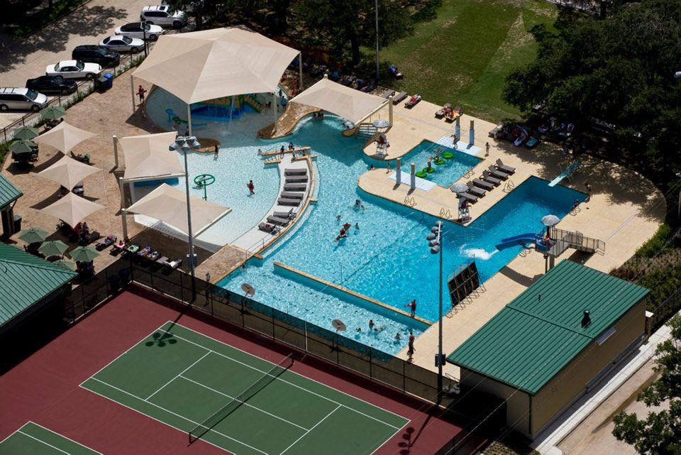 Best Public Swimming Pools in Houston, Texas
