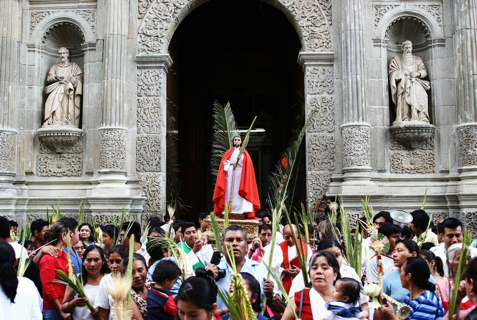 Semana Santa Easter Festival at Oaxaca Cathedral