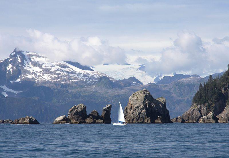 Imagen del paisaje de crucero del Parque Nacional de los Fiordos de Kenai © Angela M. Brown