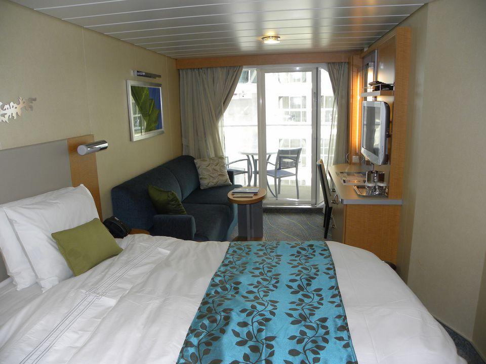Oasis of the Seas - Balcony Cabin