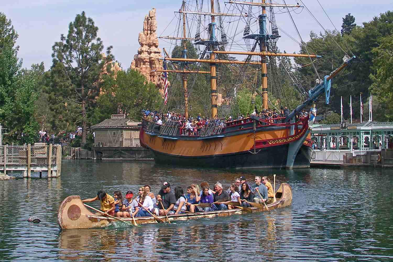 Davy Crockett Explorer Canoes