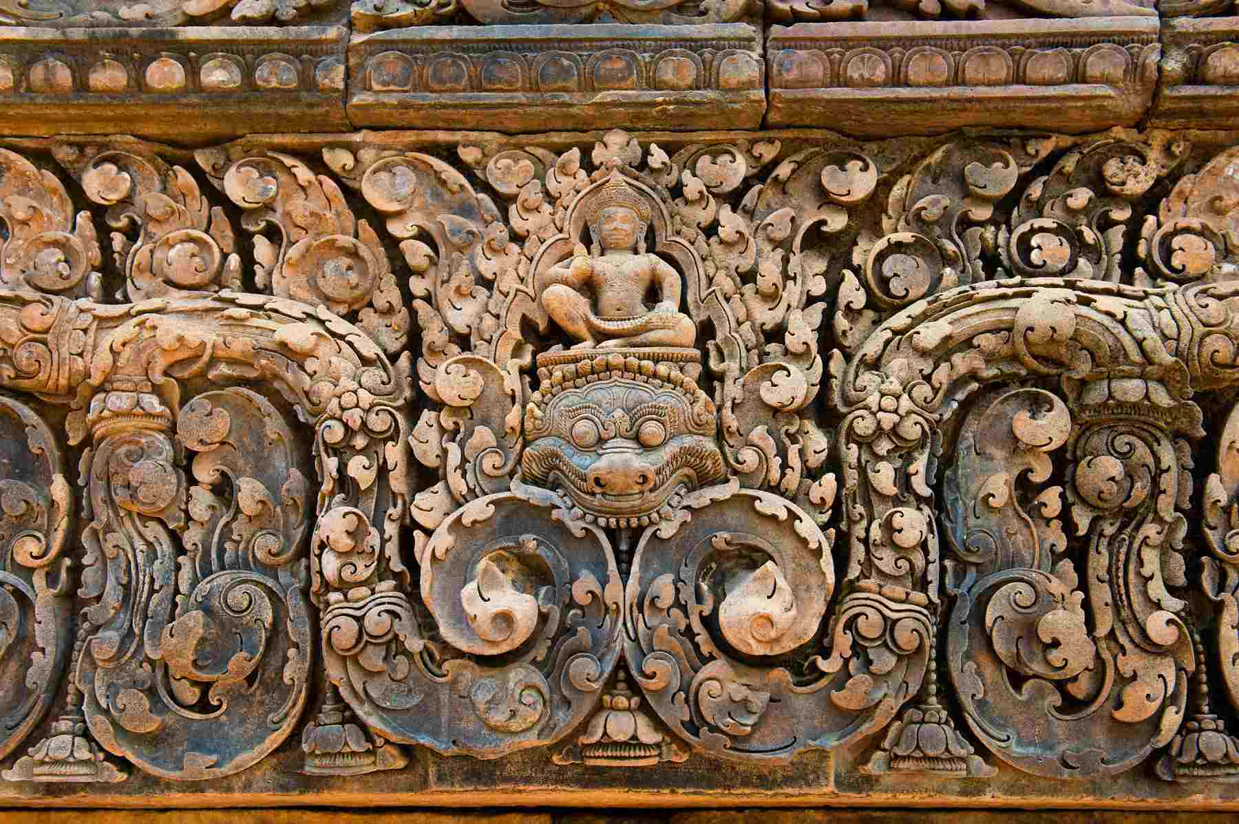 Carving on Banteay Srei